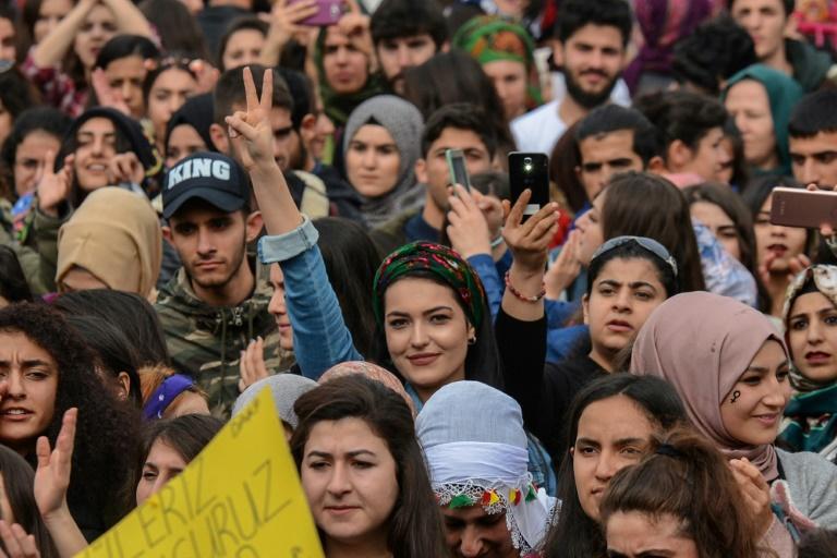 Manifestation de femmes pour marquer la journée internationale des droits des femmes à Diyarbakir, le 8 mars 2018 afp.com - ILYAS AKENGIN