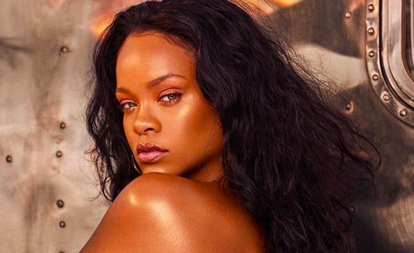 Rihanna to launch 'Beach Please' collection. (Instgram)