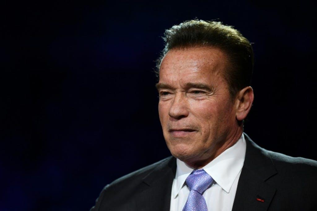 """""""Une valve du gouverneur Schwarzenegger a été remplacée avec succès et il se remet actuellement de l'opération et est dans un état stable"""", a indiqué M. Ketchell."""