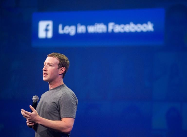 L'action Facebook a de nouveau chuté à Wall Street jeudi, perdant 2,66% à 164,89 dollars, effaçant quelque 50 milliards de capitalisation boursière depuis lundi.