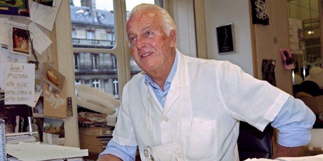 Le couturier français Hubert de Givenchy le 3 juillet 1995 à Paris. AFP/Archives / GERARD FOUET