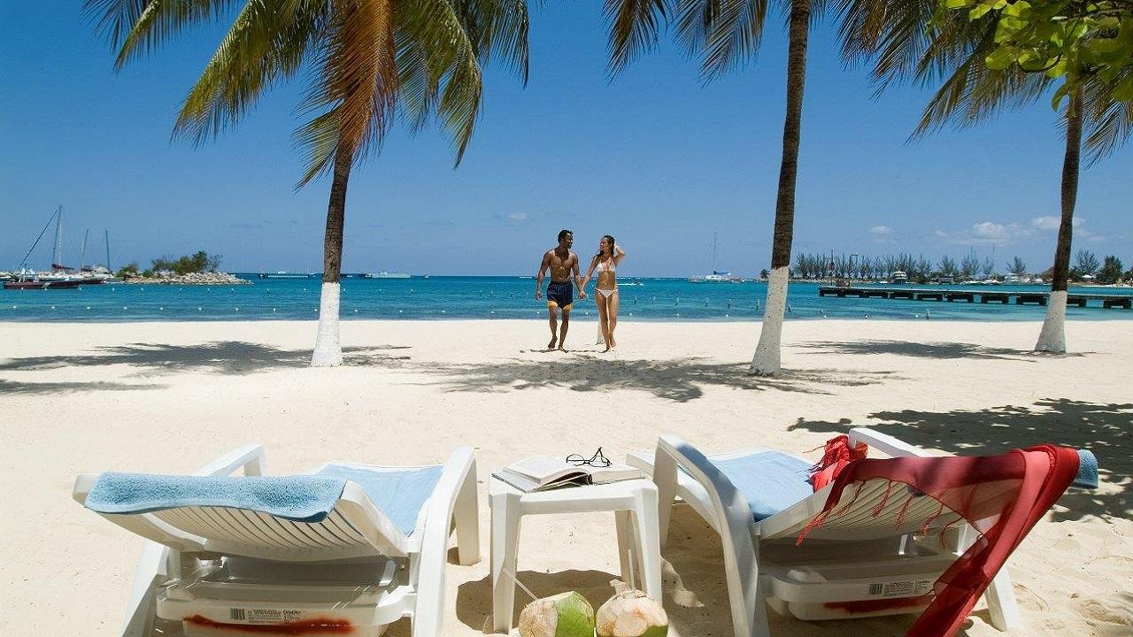 (Ocho Rios Bay: Image: Jamaican Tourist Board)