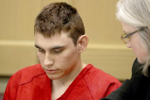 Tuerie de Parkland: la Floride demande la peine de mort pour Nikolas Cruz, le tireur présumé.