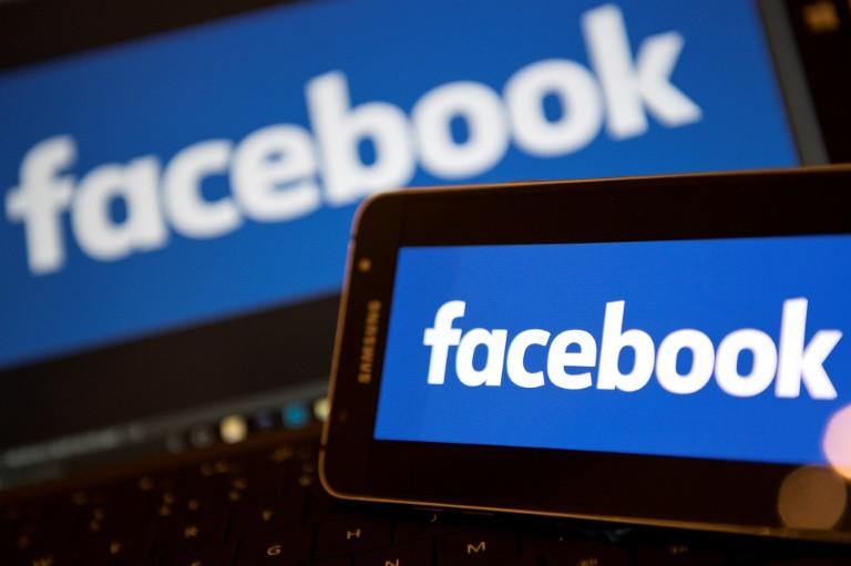 Facebook est sous le feu des critiques aux Etats-Unis et en Europe après la révélation qu'une société électorale britannique, Cambridge Analytica, a exploité les données de 50 millions d'utilisateurs du réseau social à leur insu.