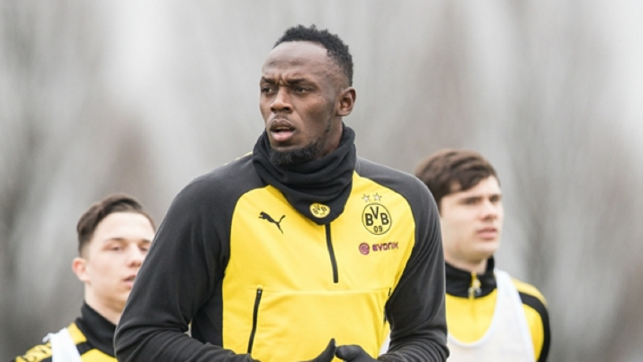 Usain Bolt in training with Borussia Dortmund.