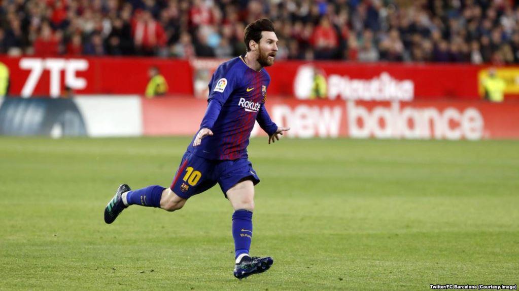 En seulement deux minutes, in extremis le leader Barcelone a remonté deux buts de retard samedi à Séville (2-2), arrachant un nul miraculeux grâce à l'entrée de son sauveur argentin et préservant son invincibilité en Championnat d'Espagne.