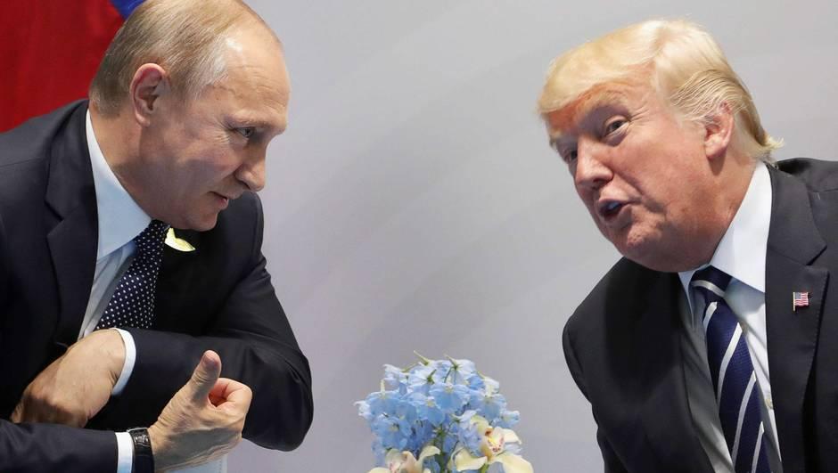 """""""Je l'ai félicité pour sa victoire électorale"""", a raconté M. Trump depuis le Bureau ovale. """"Nous allons probablement nous rencontrer dans pas trop longtemps""""."""