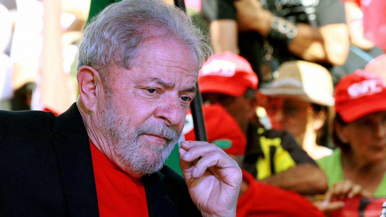 La Cour suprême a ainsi mécaniquement empêché que Lula puisse être incarcéré dans la foulée du rejet de son recours par les trois juges du TRF-4 ce lundi, comme il en était menacé.
