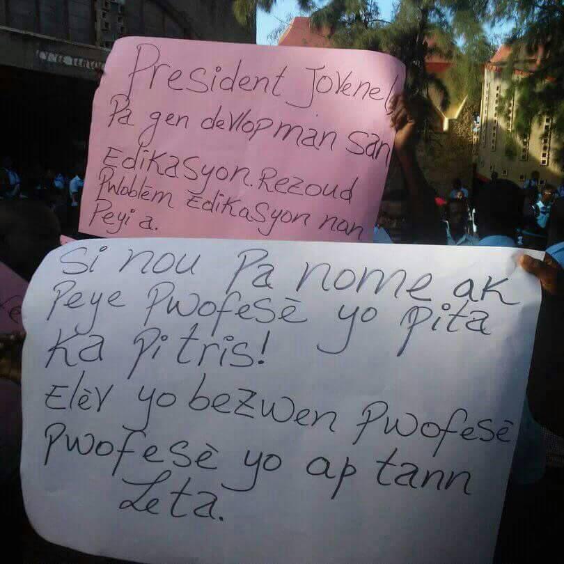 L'affiche d'une manifestation d'écoliers à Port-de-Paix./ Photo: Ronald Monestime