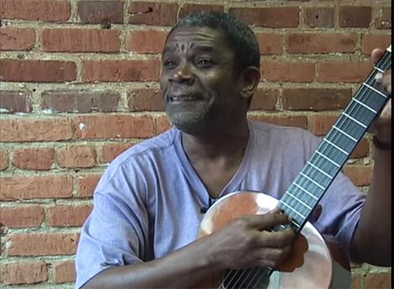 L'artiste Manno Charlemagne est décédé le 10 décembre 2017, à l'hôpital Mount Sinai de Miami.