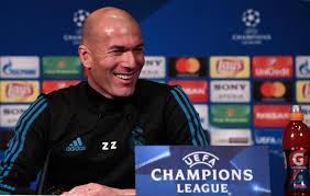 Photo de Zinédine Zidane le coach de Real Madrid en conférence de presse.