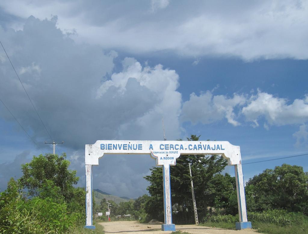 Entrée de la ville de Cerca Carvajal