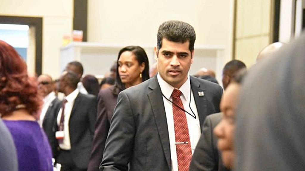Vice-President Ashwin Adhin tijdens de tussentijdse vergadering van de Caricom.