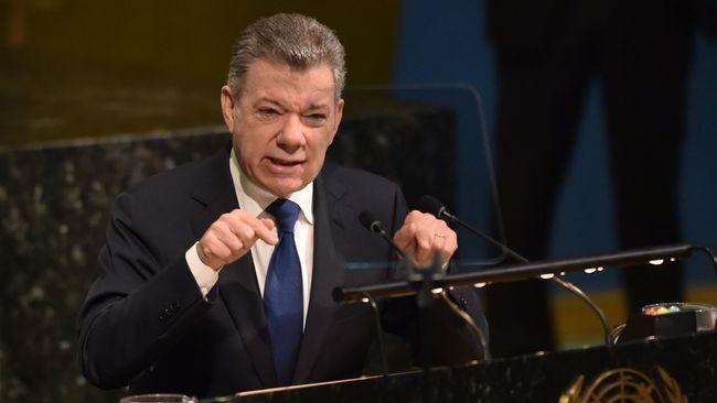 """""""Si nous voulons protéger la paix en Colombie, dans la région et dans le monde, nous devons changer de stratégie face au problème de la drogue"""", a dit devant l'Assemblée générale de l'ONU M. Santos, prix Nobel de la paix pour avoir négocié un accord de paix avec l'ancienne rébellion marxiste des FARC. (crédit photo : AFP)"""