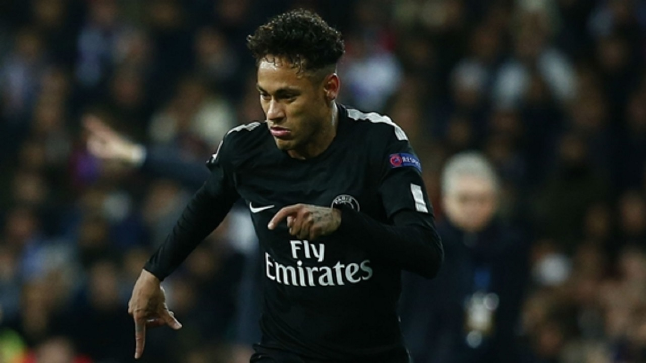 Neymar playing for Paris Saint-Germain away to Real Madrid.
