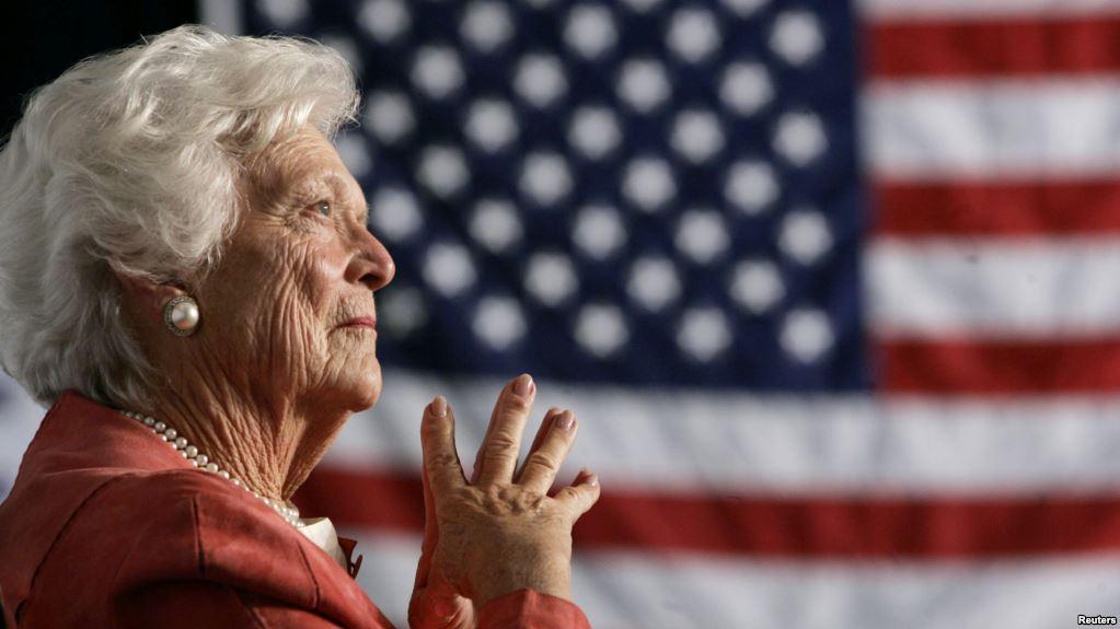Barbara Bush restera dans l'Histoire comme l'une des deux seules femmes à avoir à la fois épousé et donné naissance à un président américain.  (crédit photo : reuters)