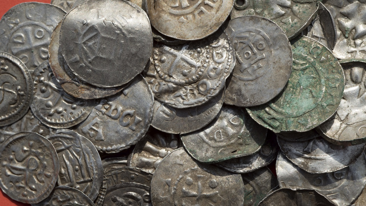 (Image: AP: Silver coins found on the northern German island of Ruegen)
