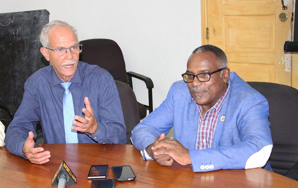 Alex Alivon, Secrétaire général de distributions alimentaires de Martinique et Carmel André Béliard, ministre de l'Agriculture d'Haiti/ Photos: MARNDR Facebook