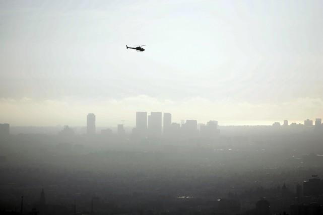 Selon cette étude publiée par l'Association américaine pour la santé pulmonaire, l'agglomération de Los Angeles reste la plus polluée à l'ozone, et se place numéro quatre en termes de pollution aux particules. (crédit photo : AFP)
