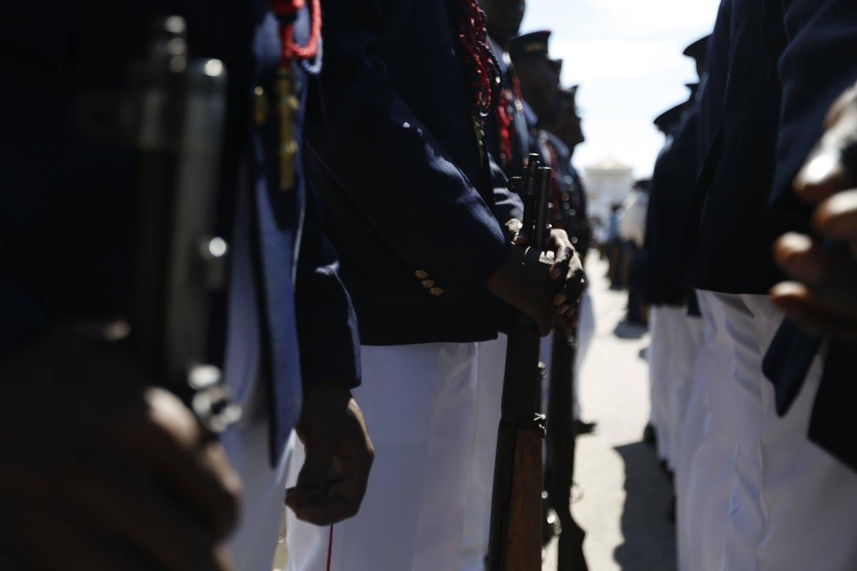Arrivée des officiers de l'Armée d'Haïti sur la Place d'Armes des Gonaïves, 1er janvier 2018. / Photo : Ministère de la Défense - Haïti (Facebook)
