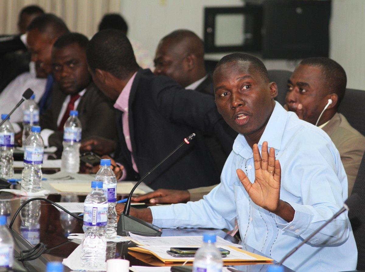 La Commission Travaux Publics à la chambre des députés a reporté pour le 8 mai 2018 la séance d'invitation des membres du gouvernement qui devrait avoir lieu hier lundi 23 avril au parlement haïtien.