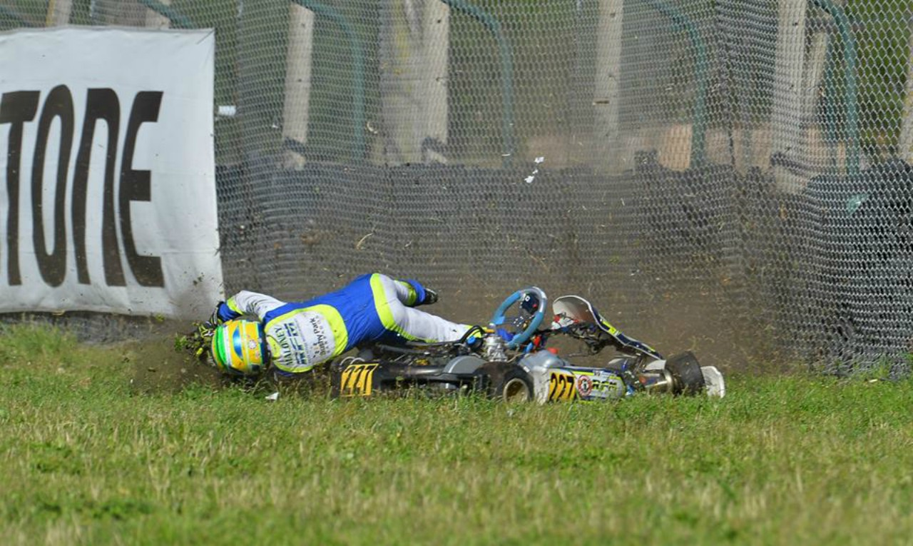 Zane Maloney tossed from his kart (PHOTO: Sportinphoto Kart Photo-Agency)