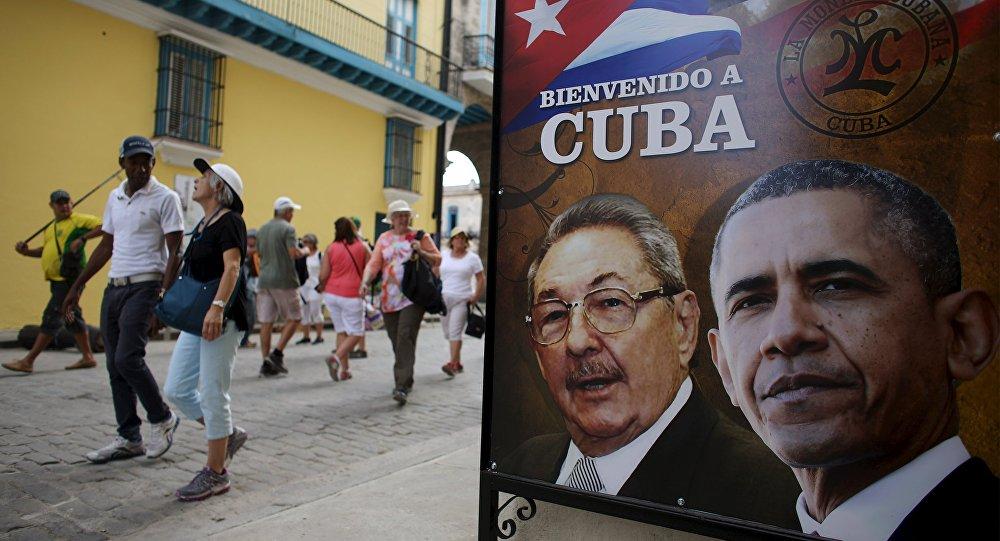 """""""Le processus de rapprochement est bloqué mais il peut repartir en cas de changement d'administration américaine"""", affirme Pedro Freyre, un avocat cubano-américain spécialisé dans les relations bilatérales."""