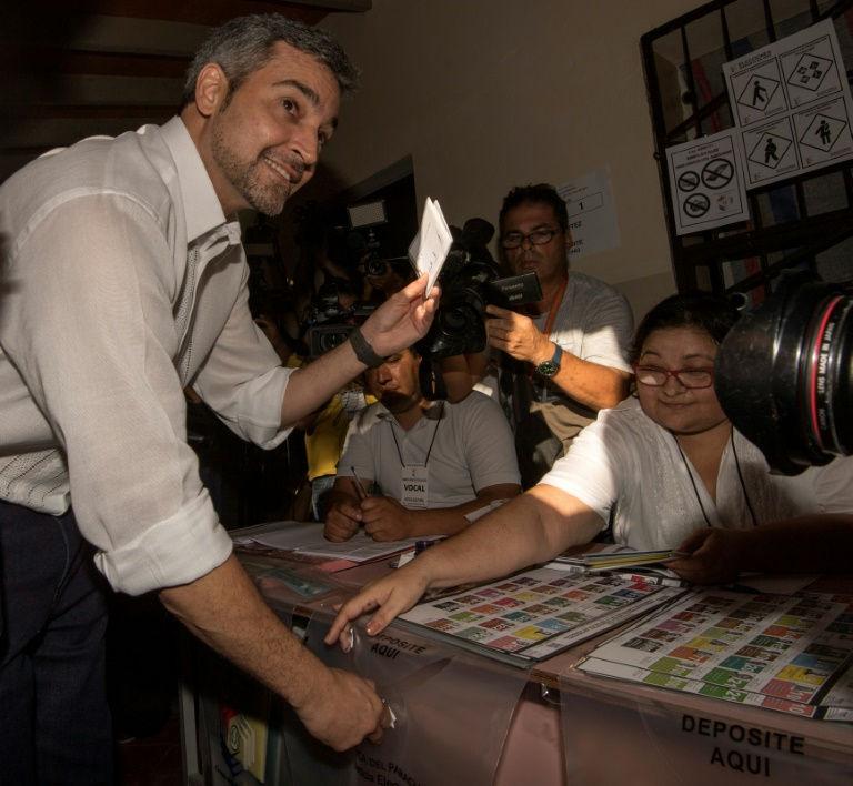 Les 4,2 millions d'électeurs sont appelés à se rendre dans les bureaux avant 16H00 (20H00 GMT). Les premières estimations sont attendues une heure plus tard, le vainqueur devant être connu dès la soirée pour ce scrutin à un tour. (Crédit photo : AFP)