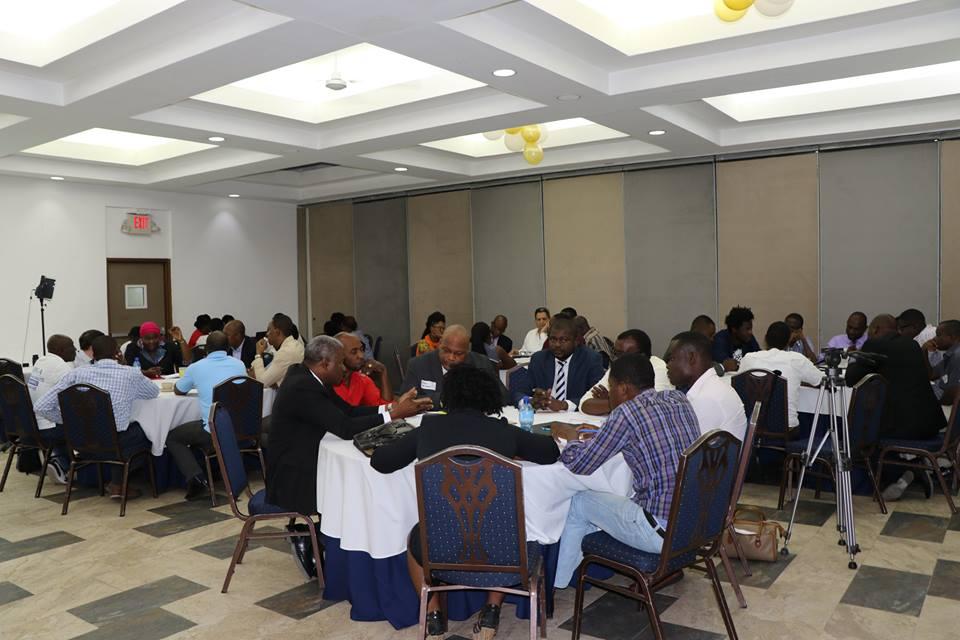 Table ronde sur l'autorégulation des médias en ligne en Haiti. #OIF #FOKAL