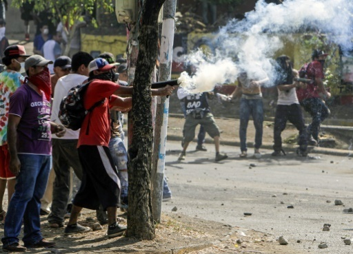 Sollicités par l'AFP pour confirmer ce chiffre, ni le gouvernement, ni la police n'ont répondu. Le dernier bilan officiel dénombrait dix morts vendredi, tandis que le quotidien La Prensa a fait état de plus de 30 morts, mais sans citer de source. (Crédit photo : AFP)