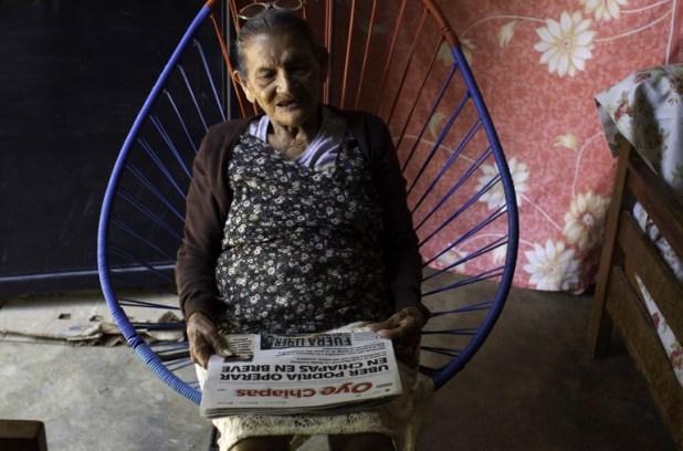Pour Guadalupe Palacios, le déclic s'est produit quand elle a fêté ses 92 ans et décidé d'enfin apprendre à lire grâce à un programme d'alphabétisation. Rieuse, elle raconte: