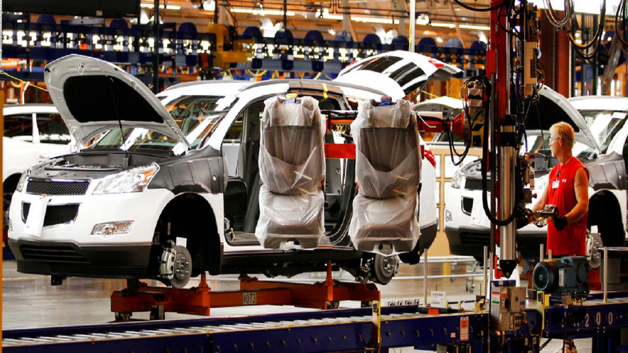 General Motors Corp. is adding a shift at the Tennessee factory that makes GMC and Cadillac SUVs, putting about 700 people to work. (AP Photo).