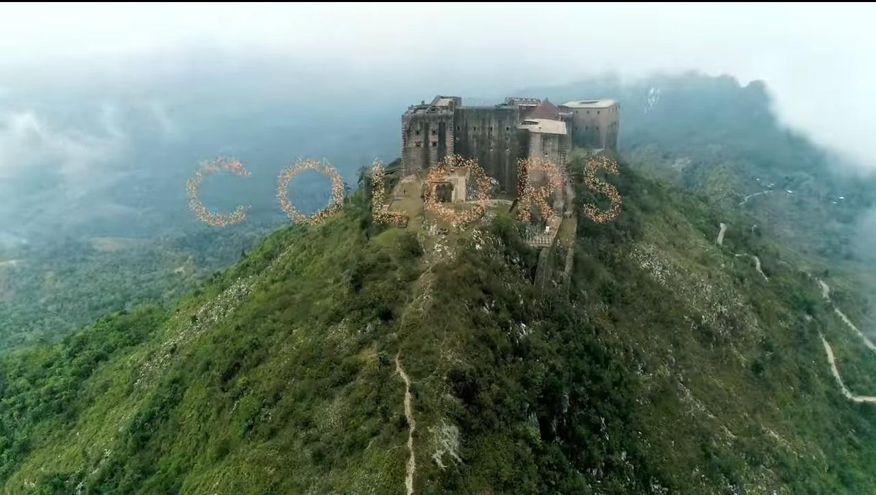 La citadelle La Ferrière, première image de la clip de Colors