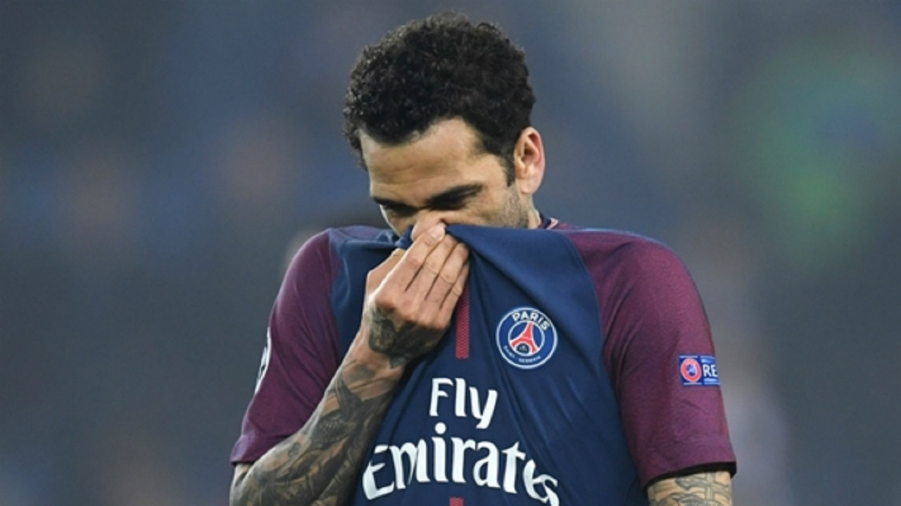 PSG full-back Dani Alves.