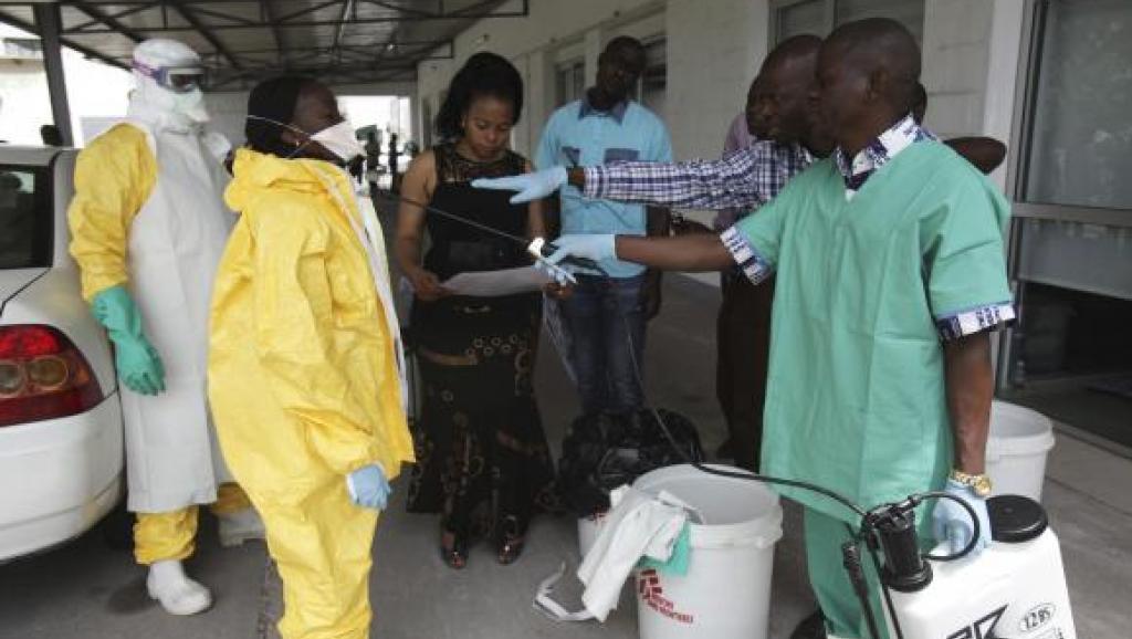 """L'Organisation mondiale de la Santé """"a débloqué un million de dollars"""" pour """"stopper la propagation d'Ebola dans les provinces et les pays voisins"""", a indiqué un représentant de l'agence humanitaire des Nations unies (Ocha) à la presse. (crédit photo : AFP)"""