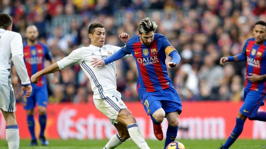 En attaque, c'est la première fois depuis la réception de Getafe le 3 mars (3-1) que Gareth Bale, Karim Benzema et Cristiano Ronaldo ont été titularisés ensemble. (AP Photo/Manu Fernandez)