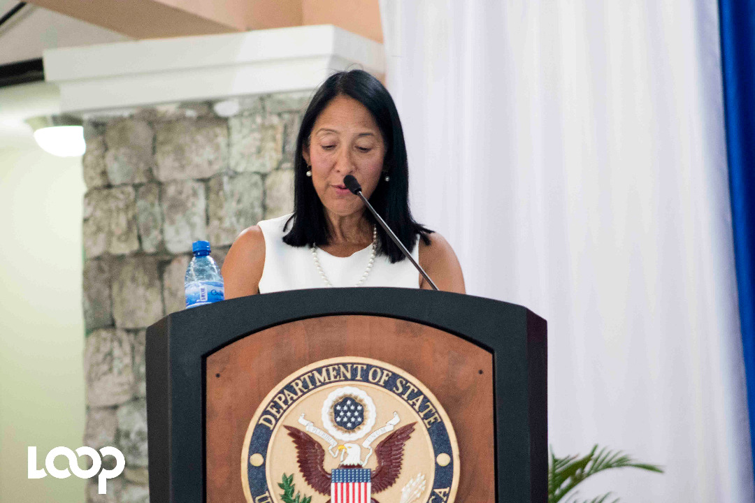 Michele J. Sison prenant la parole au Tech Camp des Cayes. Photo : Estailove St-Val