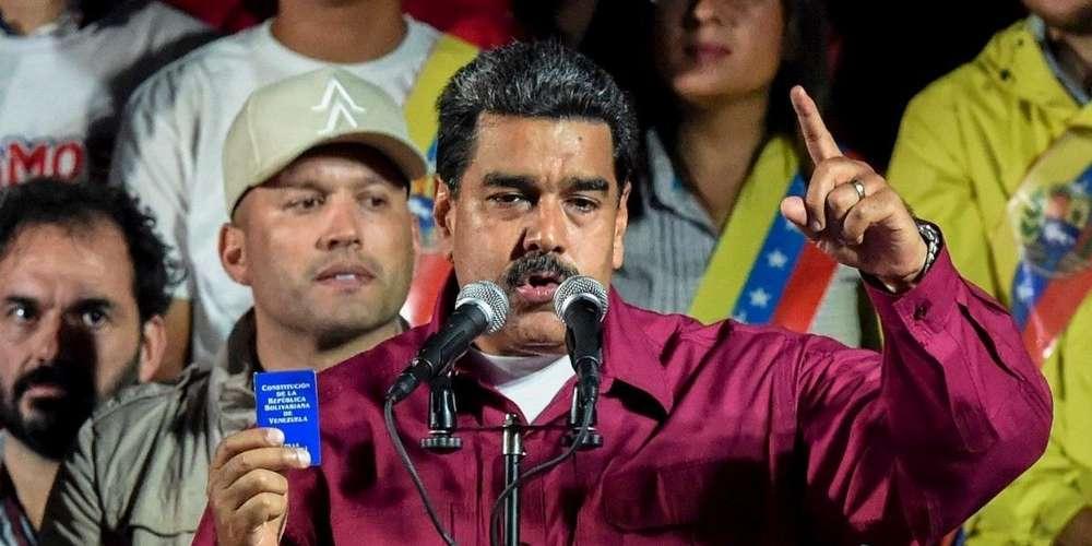 Après le dépouillement de la quasi-totalité des bulletins de vote, le président socialiste sortant Nicolas Maduro remporte 67,7% des voix contre 21,2% à son principal adversaire Henri Falcon. (crédit photo : AFP)