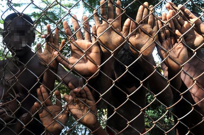 Des enfants orphelins d'Haïti sont victimes d'exploitation et de trafic par des orphelinats clandestins.