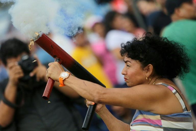 Portant à 84 morts le bilan des victimes de la crise depuis mi-avril, un fonctionnaire été tué au Nicaragua dans le cadre des manifestations qui agitent le pays où l'opposition réclame le départ du président Daniel Ortega. (crédit photo : AFP)