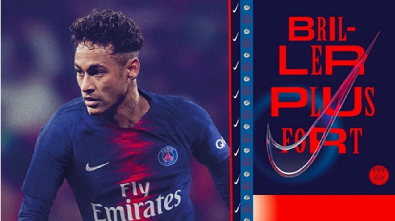 Neymar in new PSG kit.