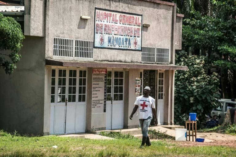 """""""Au total, 52 cas de fièvre hémorragique ont été signalés dans la région, dont 31 confirmés, 13 probables et 8 suspects"""" à la date du 23 mai, écrit dans un communiqué le ministère congolais de la Santé. (crédit photo : AFP)"""
