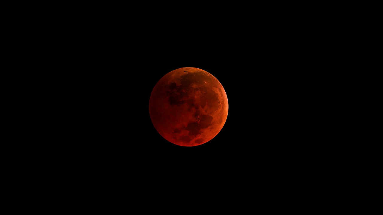 (Image: NASA: A Blood Moon)
