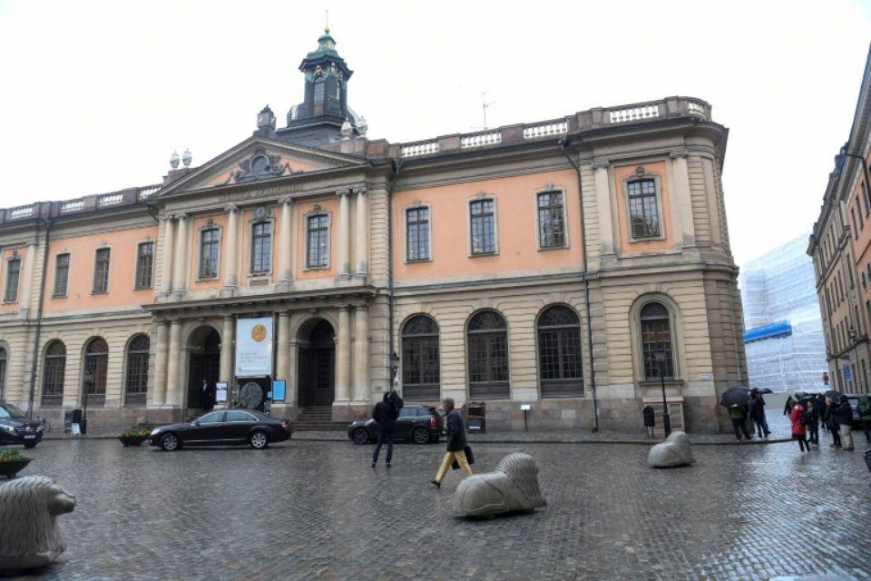 """""""Le prix Nobel 2018 de littérature sera désigné et annoncé en même temps que le lauréat 2019"""", avait alors annoncé l'Académie suédoise. (crédit photo :AFP)"""