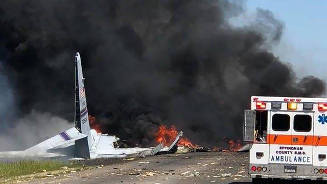 """L""""appareil, un avion cargo C-130 """"Hercules"""", effectuait un vol d'entrainement avec cinq personnes à bord. (crédit photo : AFP)"""