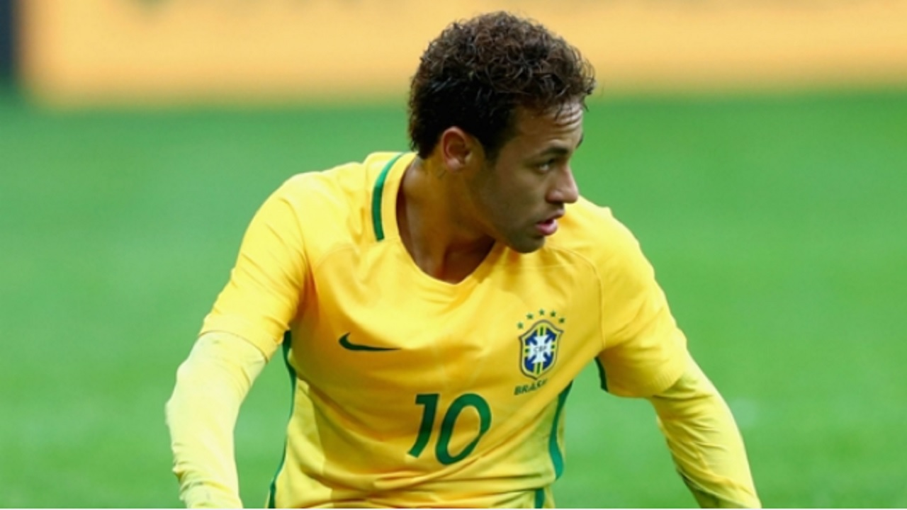 Neymar playing for Brazil.