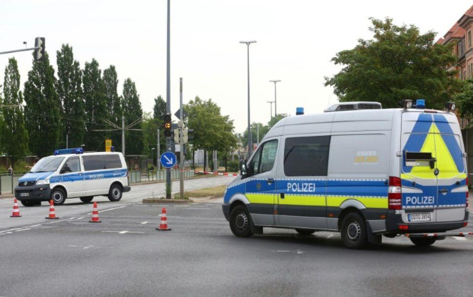 """Personne n'a été blessé mais """"le danger est actuellement vraiment élevé et une évaluation de la situation n'est pas possible"""", a indiqué sur Twitter la police de Dresde. (crédit photo : AFP)"""