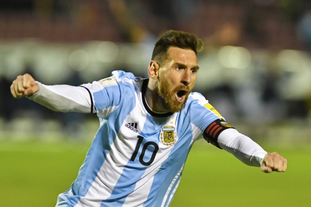 Après son atterrissage à l'aéroport d'Ezeiza, Messi est parti directement pour le camp d'entraînement de la Fédération argentine (AFA). (crédit photo : AFP)