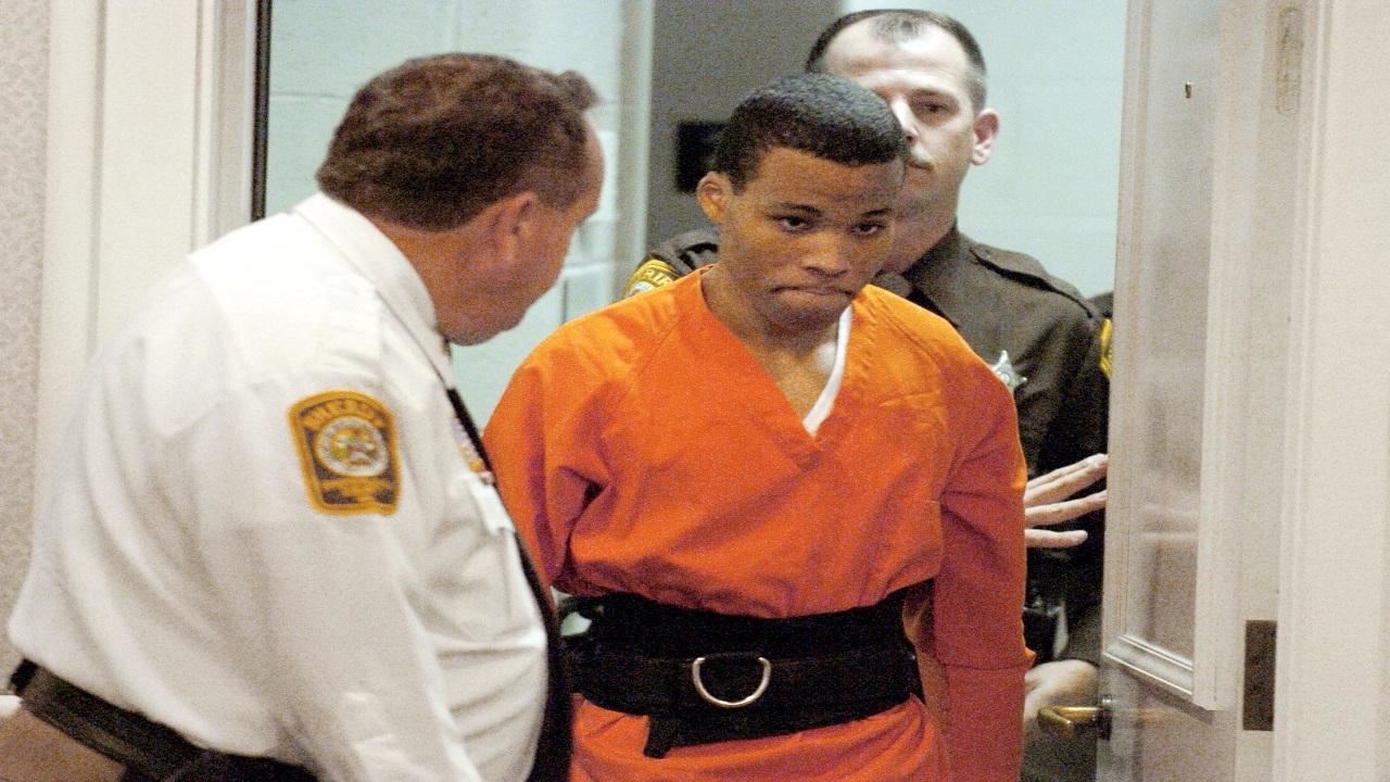 In this October 26, 2004, file photo, Lee Boyd Malvo enters a courtroom in Virginia. (Mike Morones /The Free Lance-Star via AP, File)