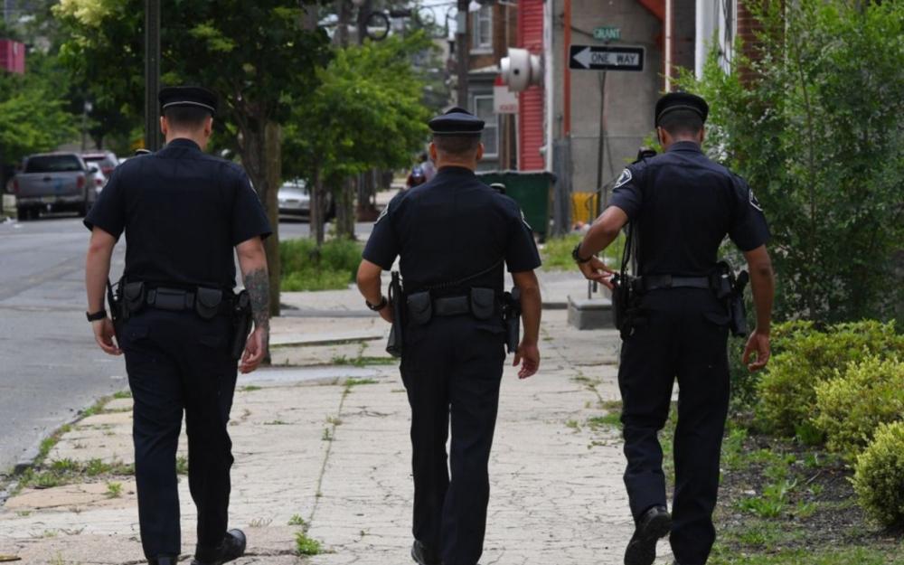 Gregory Hill, 30 ans, a été mortellement blessé de trois balles en 2014 par un des deux policiers qui intervenaient à la suite d'un appel d'un voisin, se plaignant du bruit de la musique provenant du garage de M. Hill. (crédit photo : AFP)